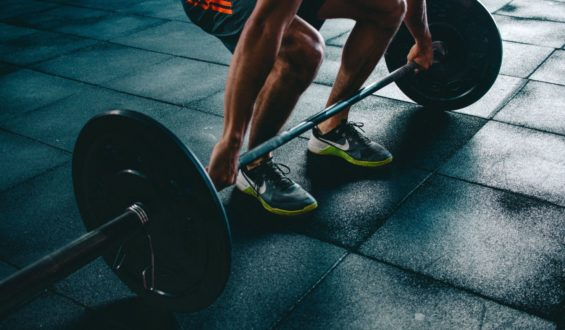 Suplementy dla kobiet trenujących na siłowni